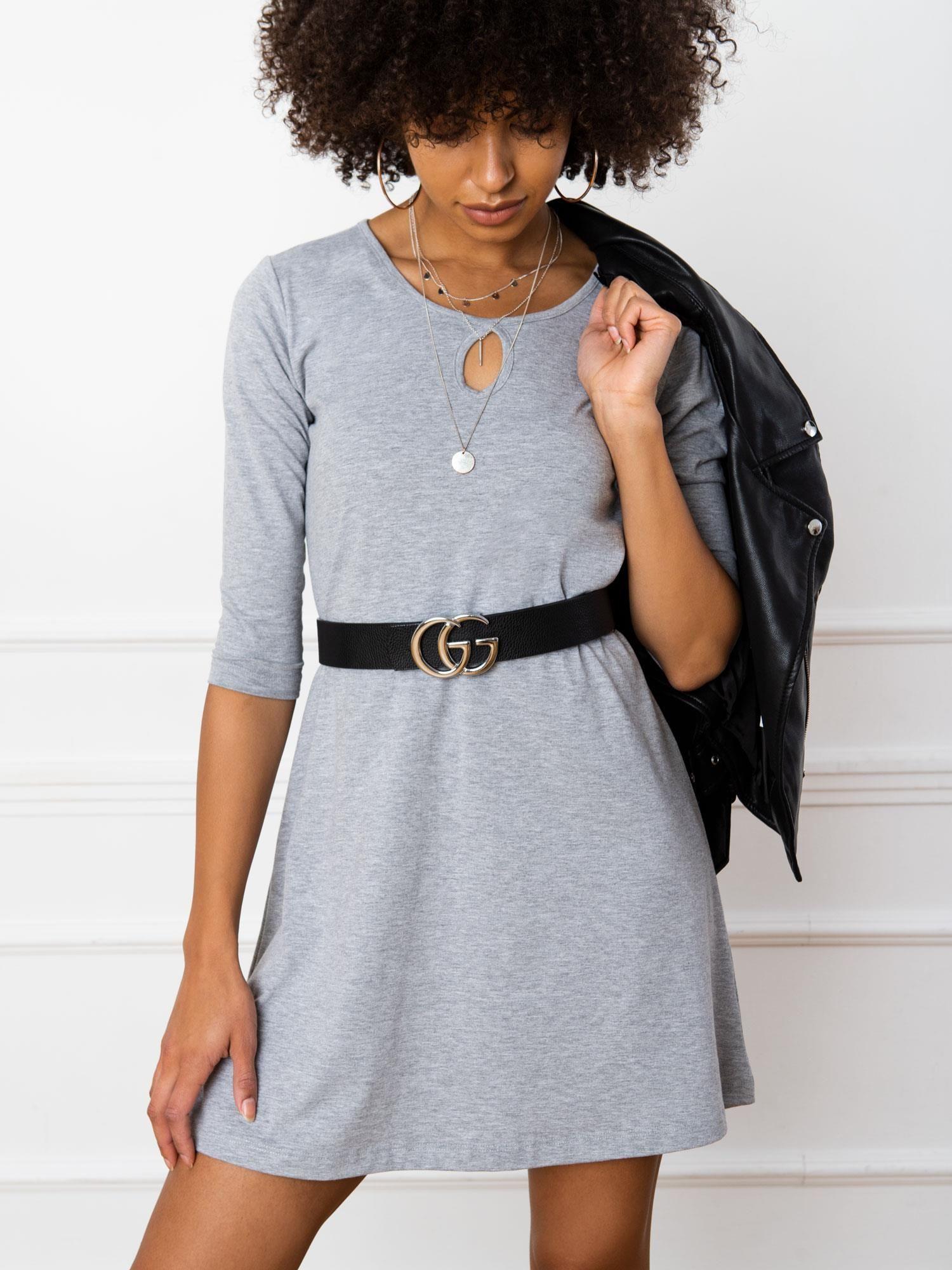 Jednoduché krátke sivé šaty - M