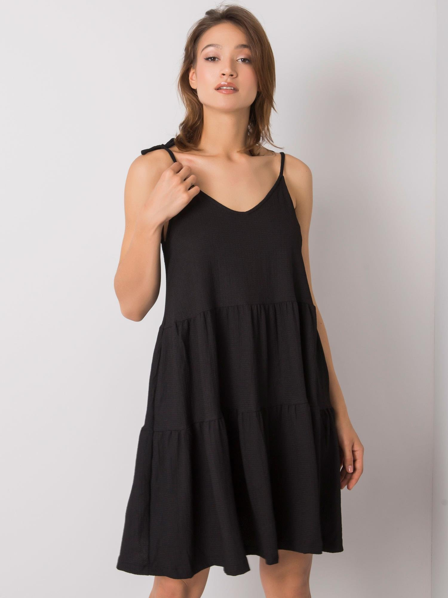 Čierne oversize šaty na ramienka - XL