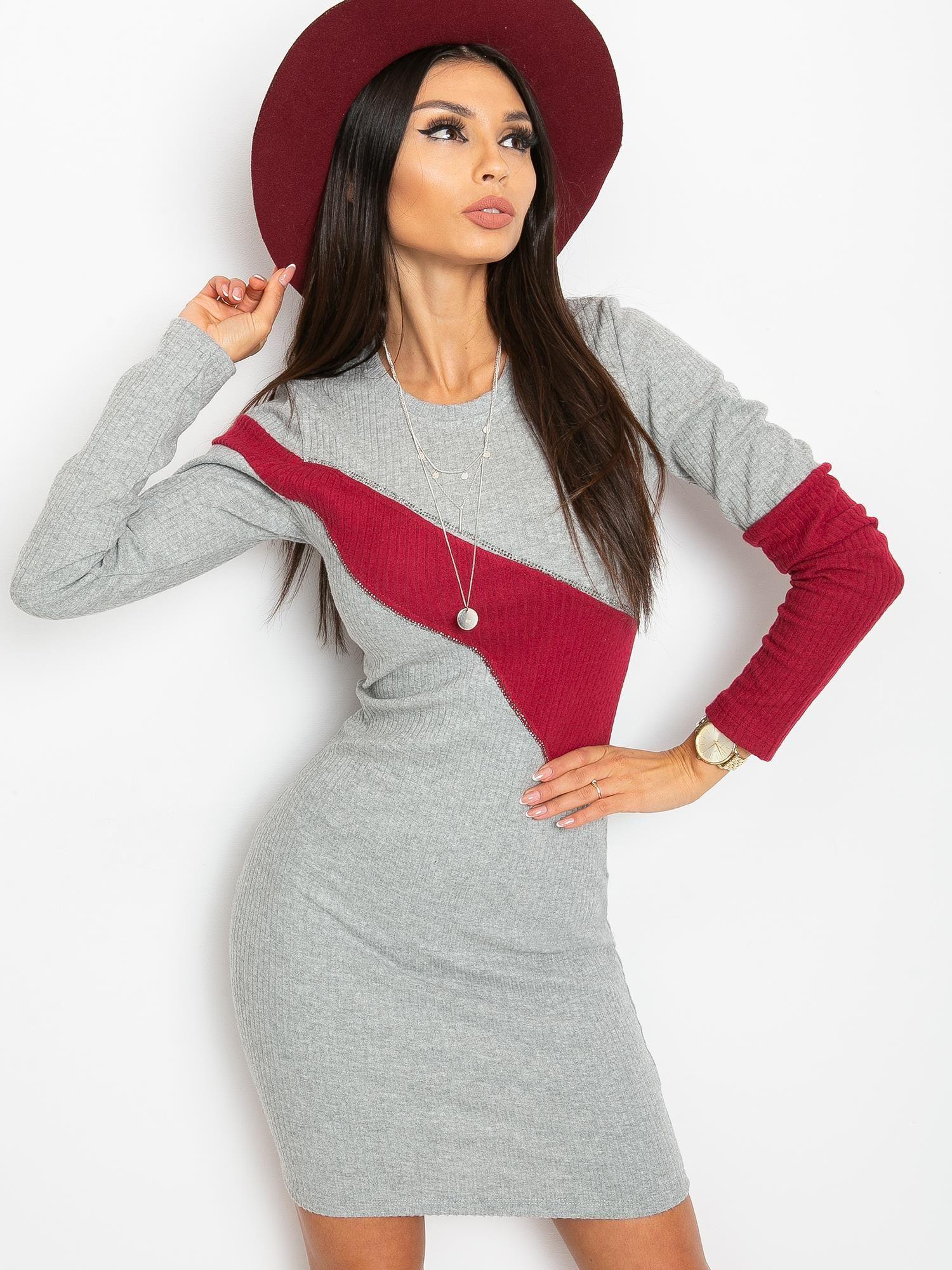 Sivé priliehavé šaty s červeným pruhom - S/M