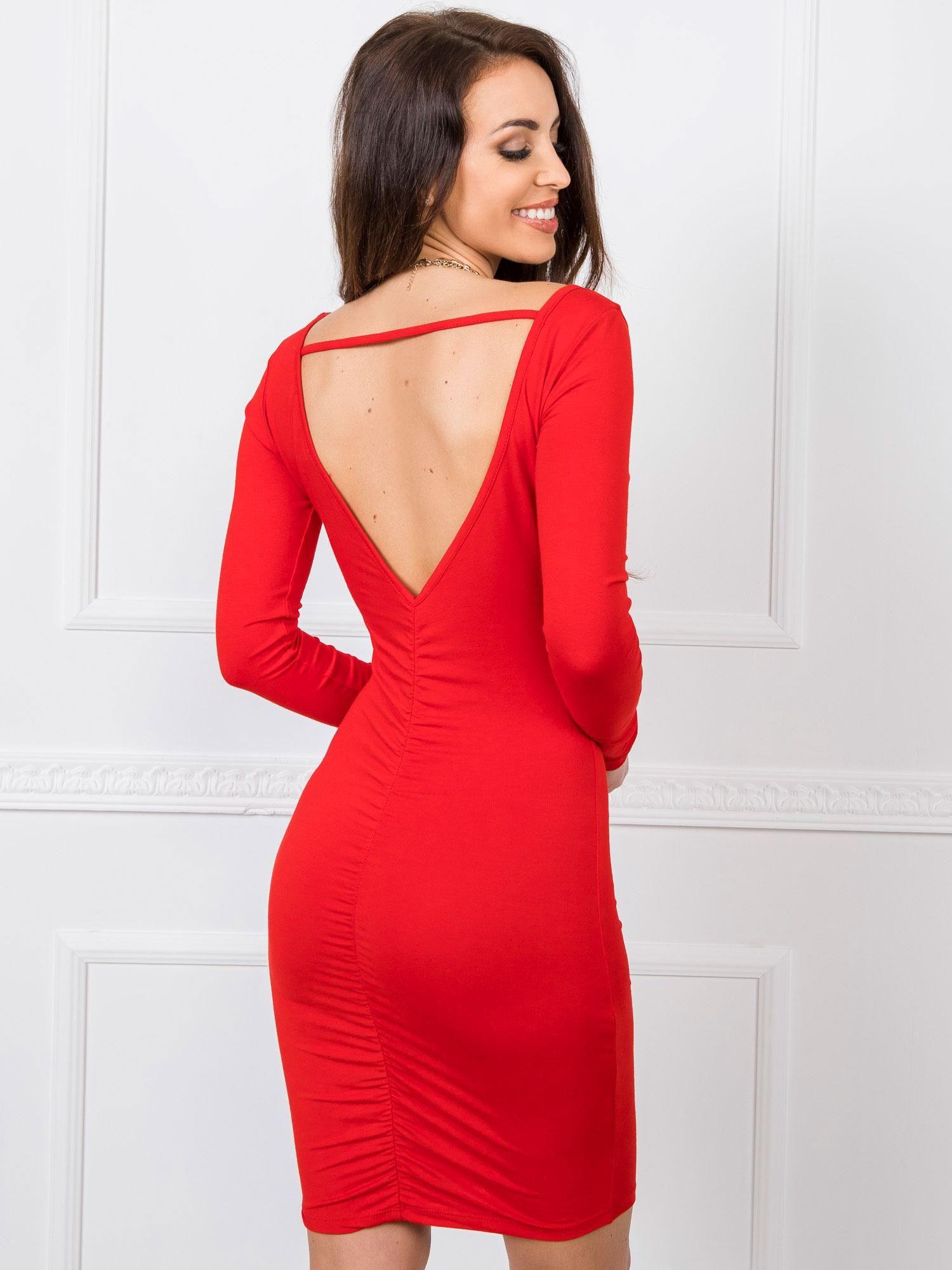 Červené šaty s výstrihom do V na chrbte - S