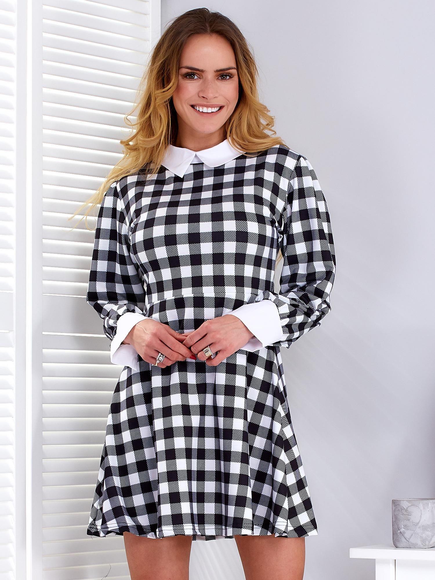 Čierno-biele kárované šaty s golierom a manžetami - L