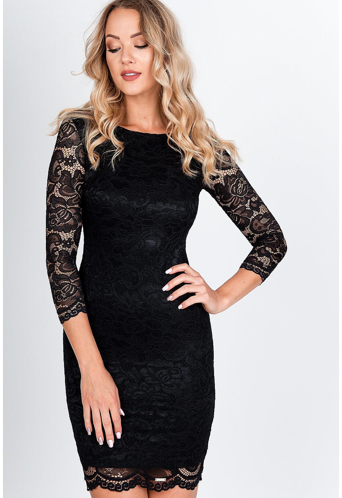 Krátke čipkované šaty čiernej farby - M
