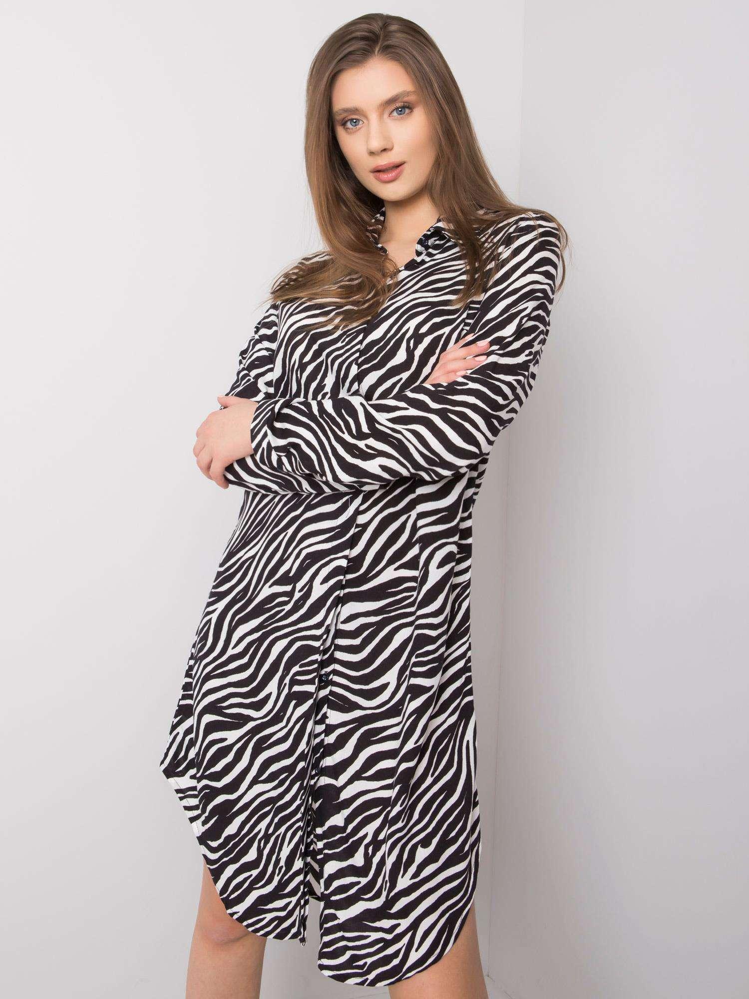 Košeľové čierno-biele šaty so zvieracím vzorom - L