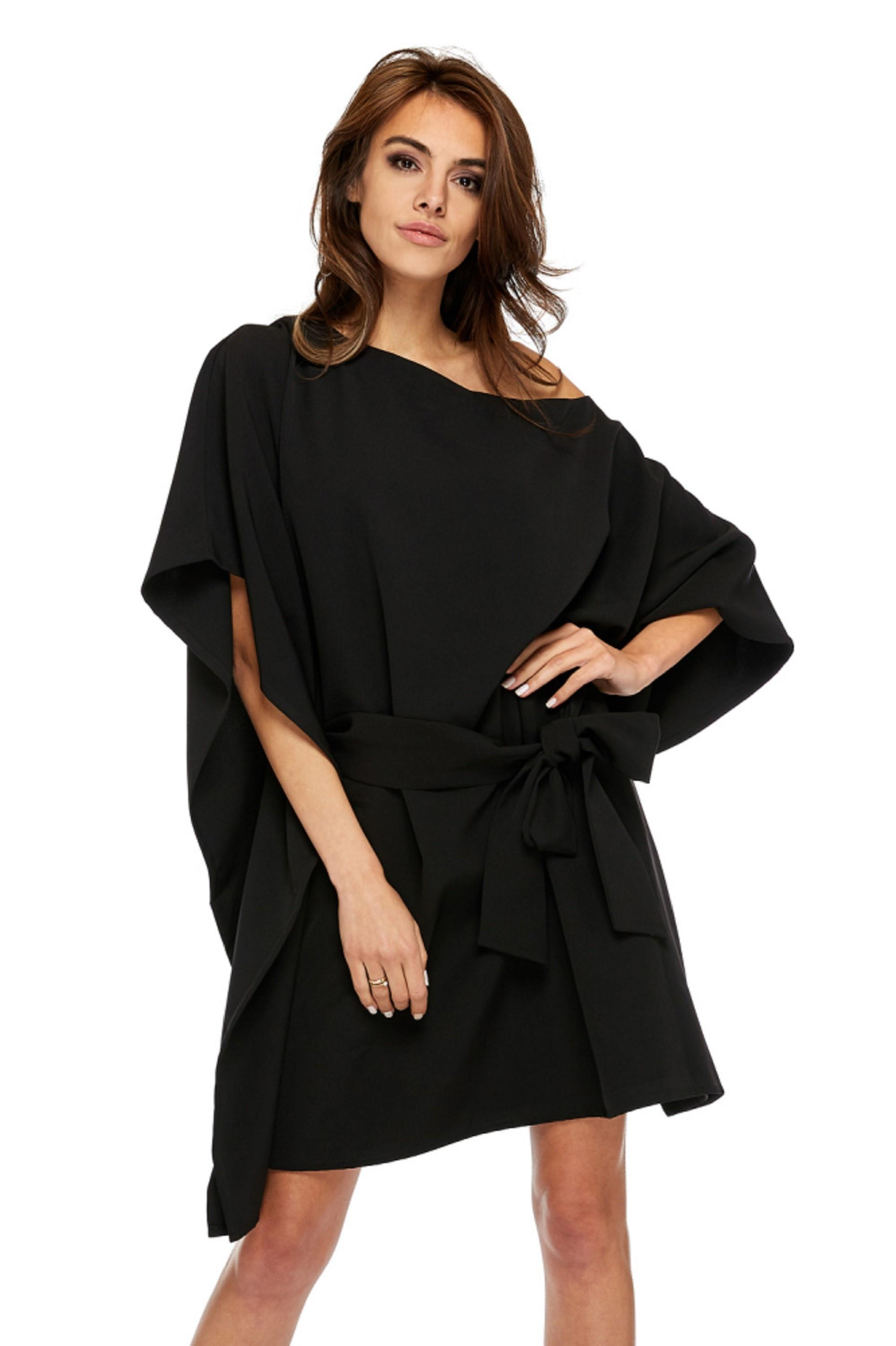 Padavé čierne šaty s previazaním v páse - UNI
