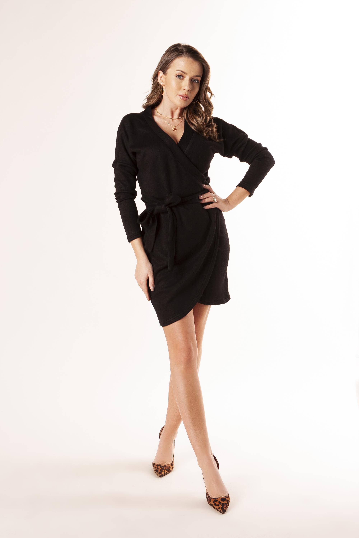 Zavinovacie čierne šaty s previazaním v páse - S/M