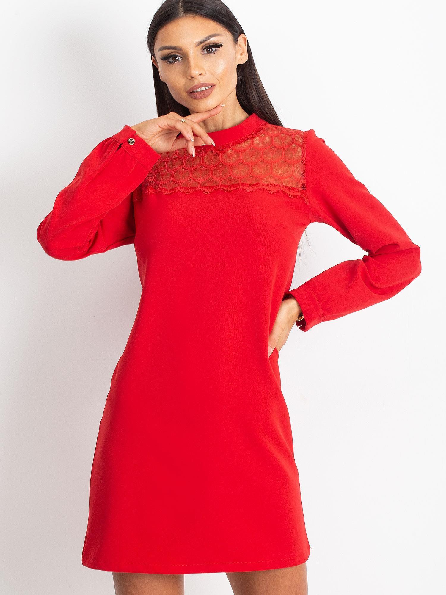 Červené mini šaty s čipkovaným výstrihom - M