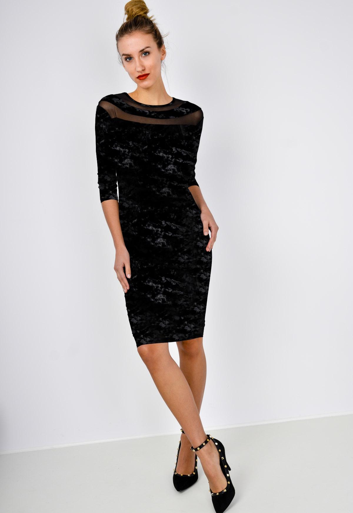 Malé čierne sieťované šaty s dlhým rukávom