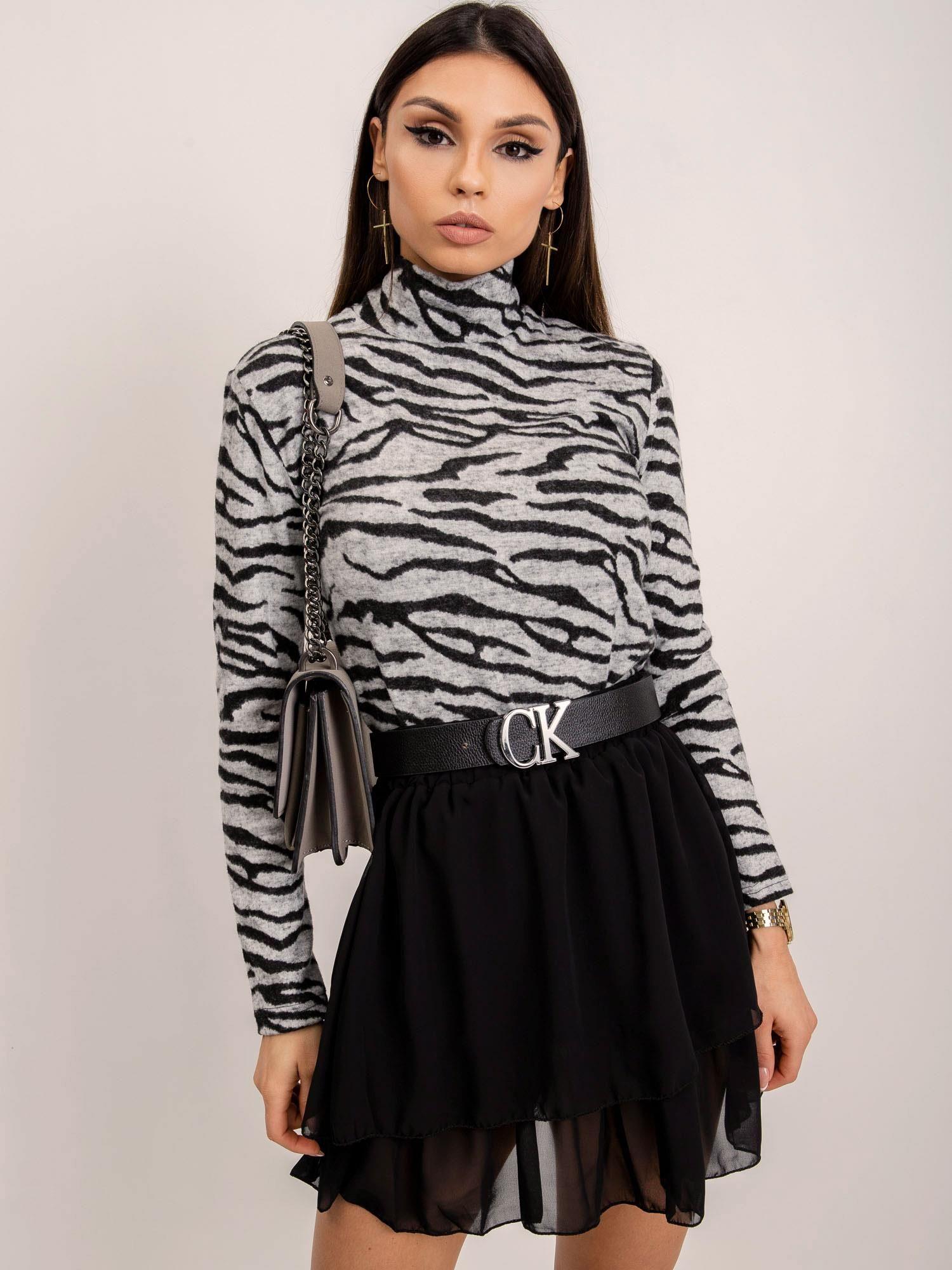 Čierna volánová sukňa s opaskom - L