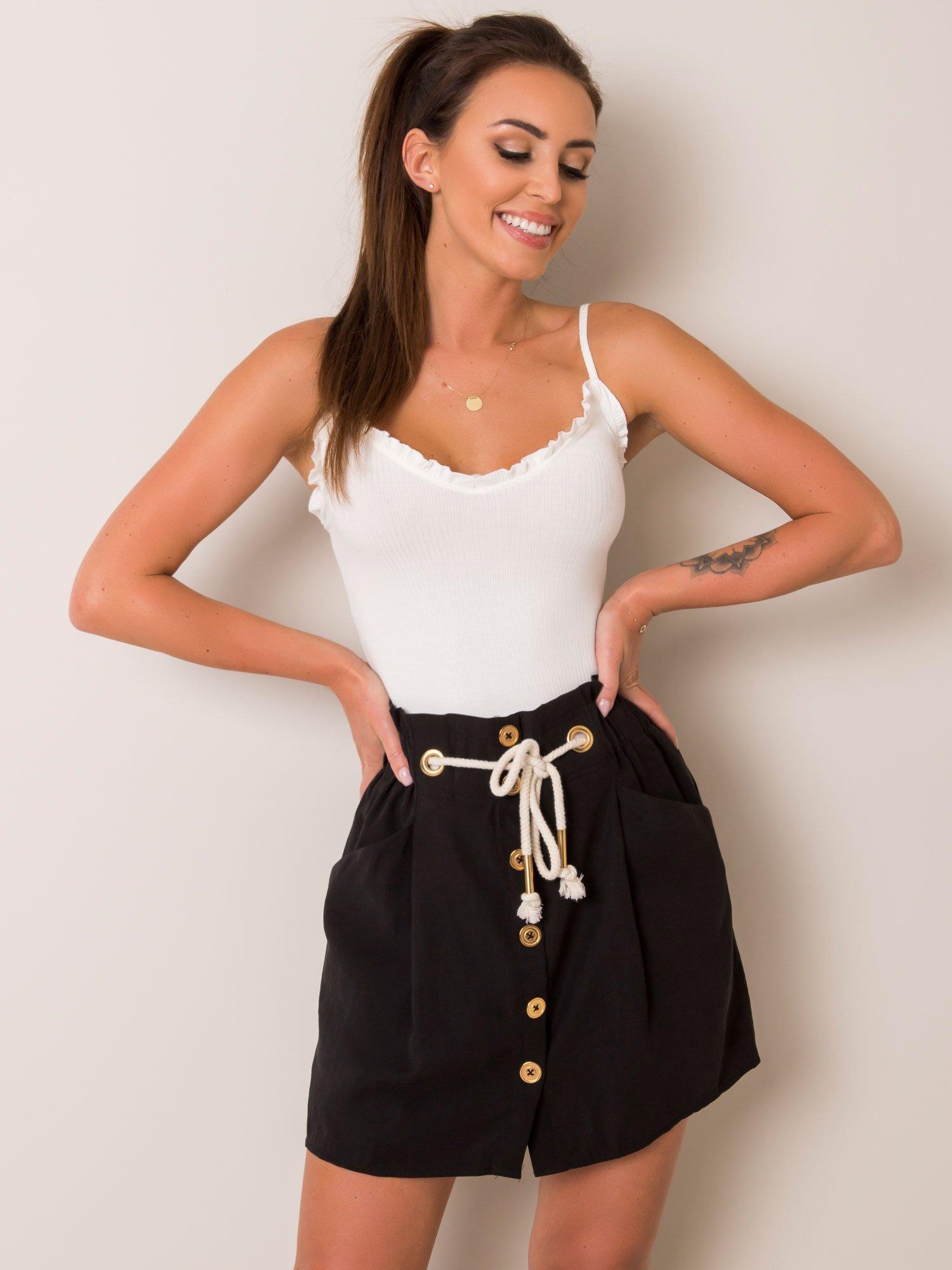 Čierna krátka sukňa s gombíkmi a vreckami - S