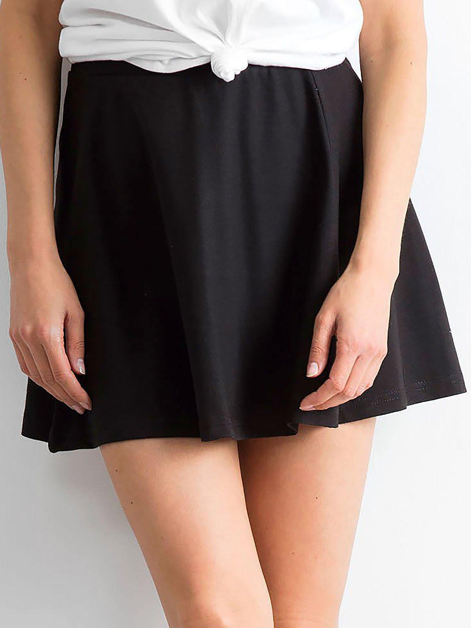 Čierna áčková mini sukňa - L