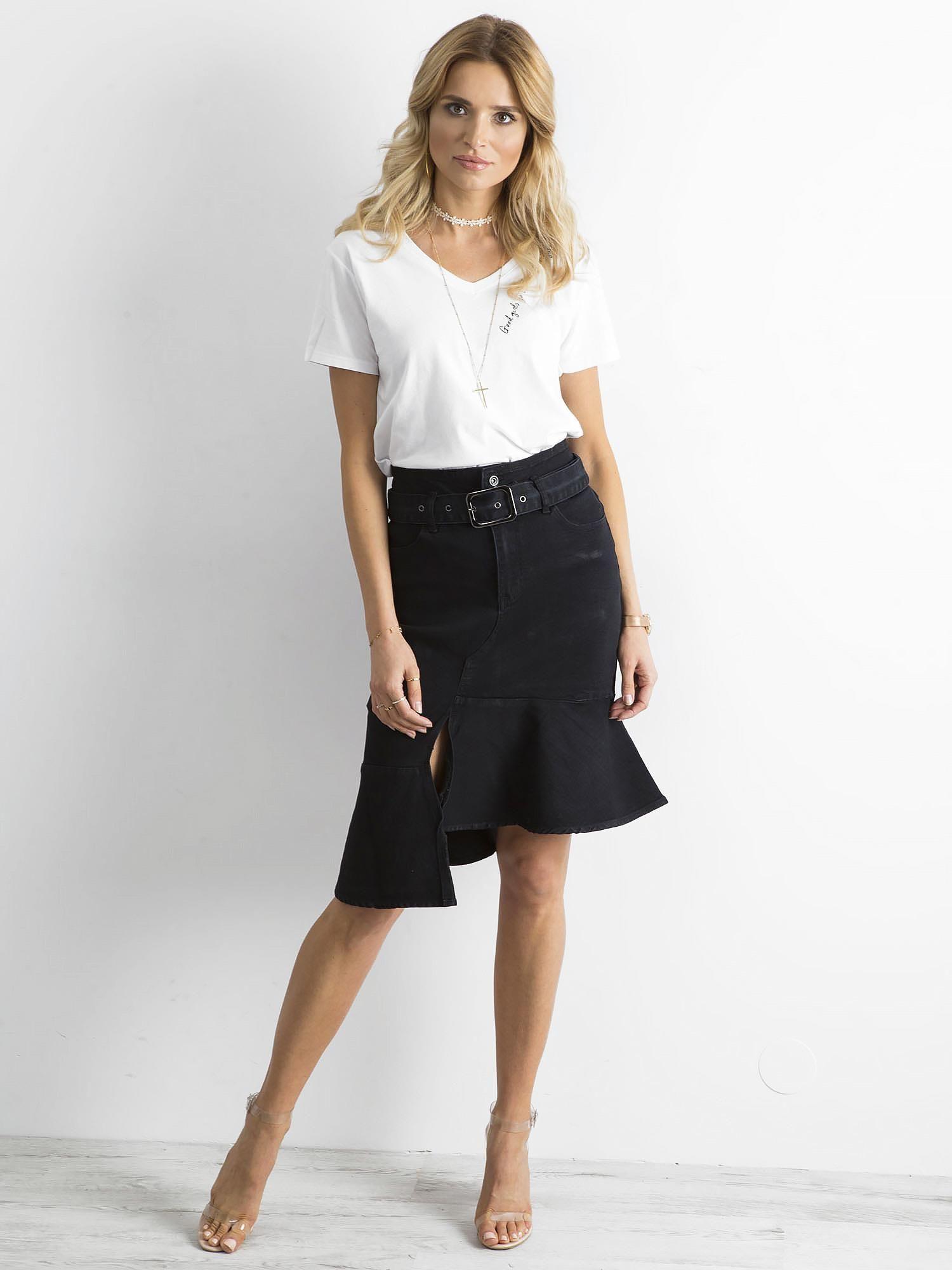 Čierna džínsová sukňa s opaskom - L