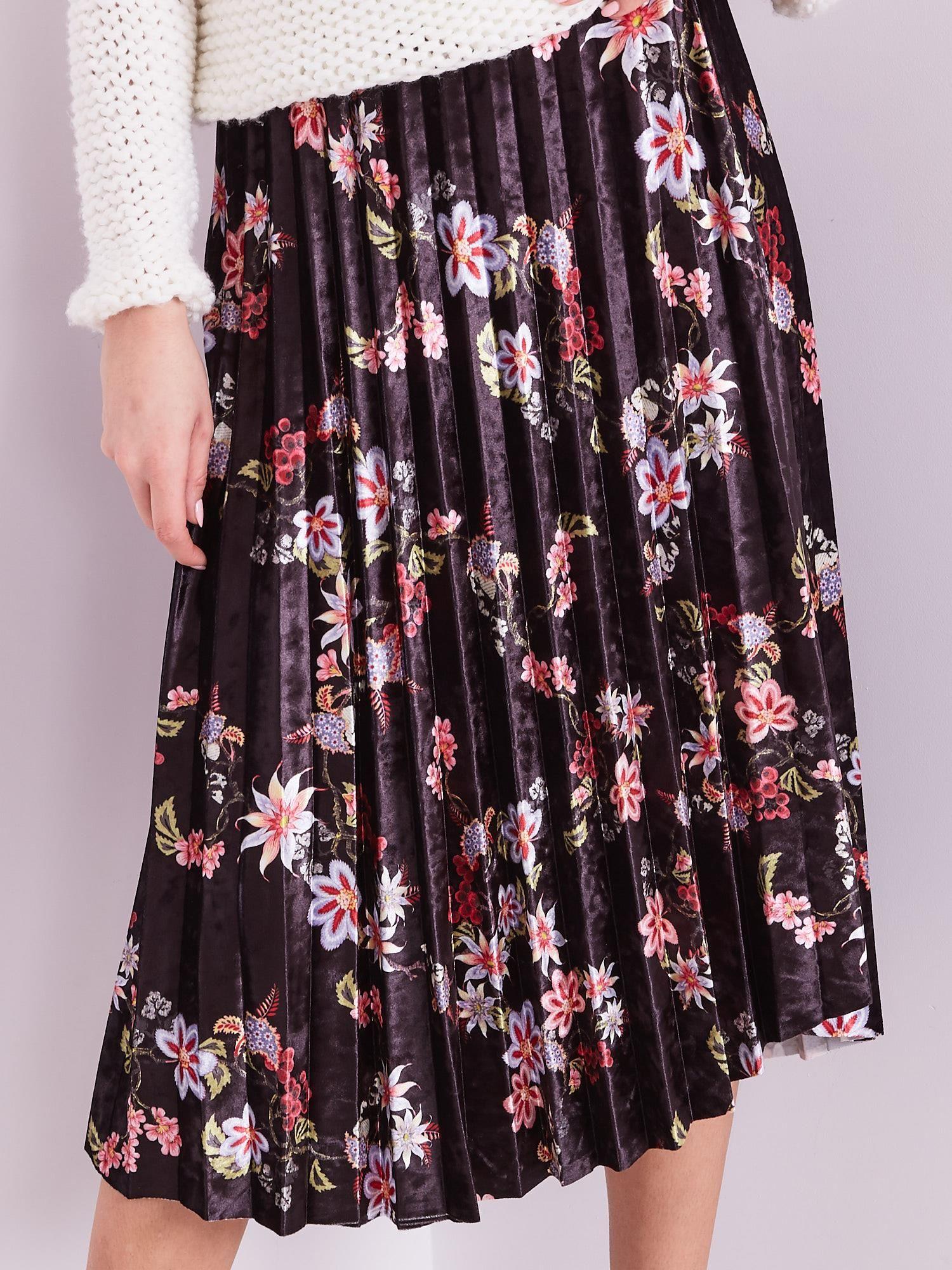 Čierna midi skladaná sukňa s kvetmi - L