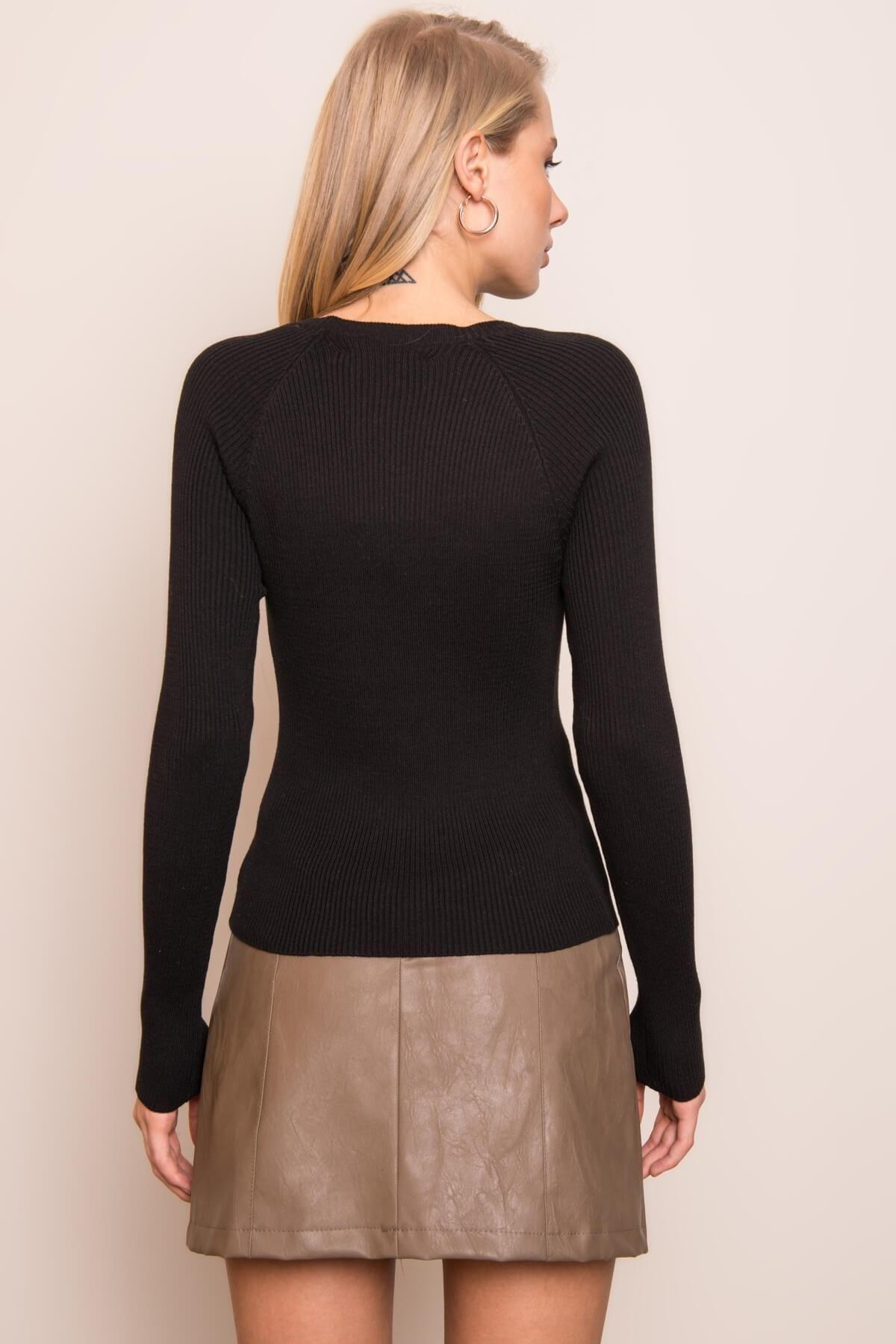 Dámsky čierny sveter - S
