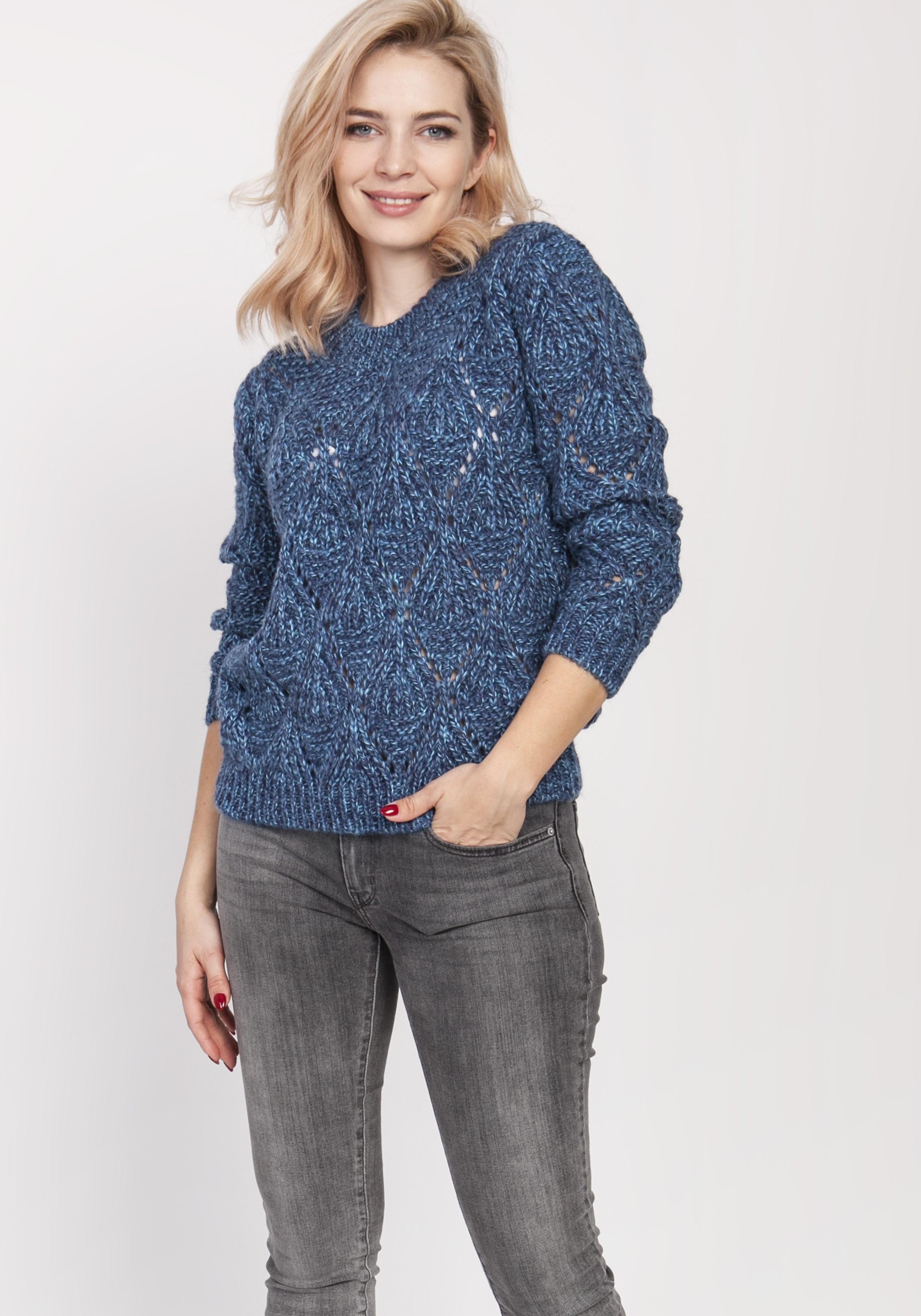 Modrý dámsky sveter s dierkovaným vzorom - S/M