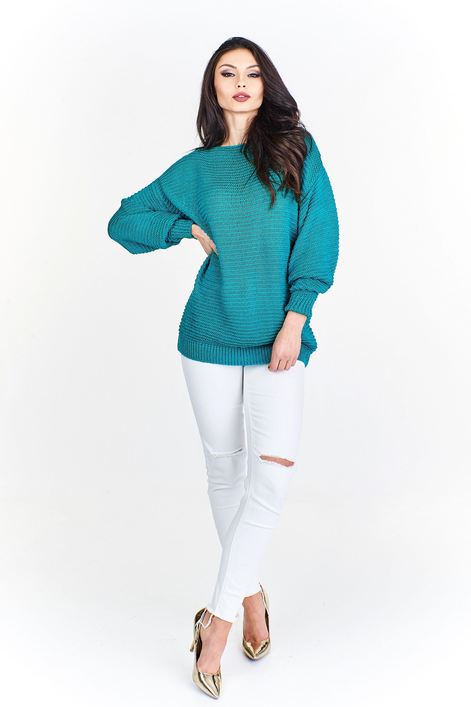 Zelený sveter s voľnými rukávmi