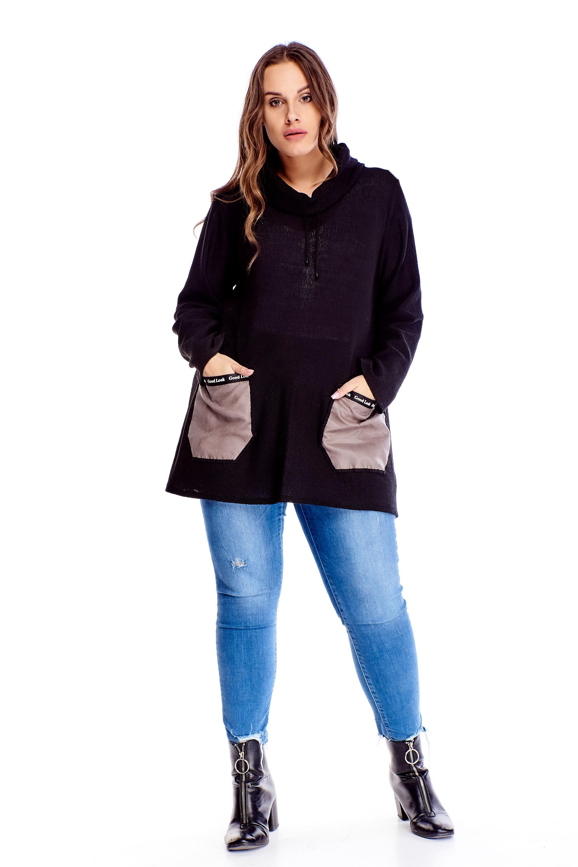 Čierny sveter s golierom a kontrastnými vreckami - XL