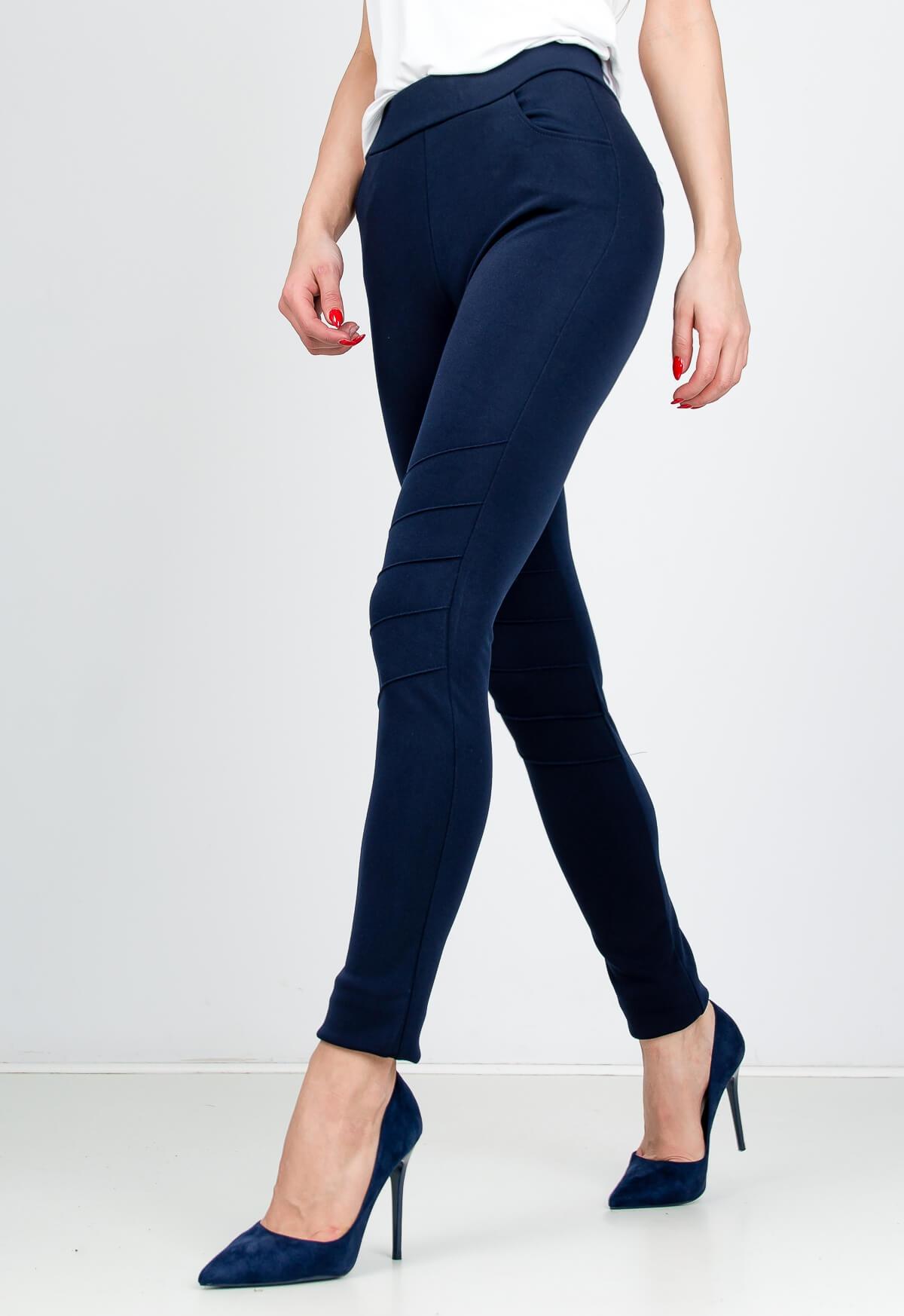 6d915c3d999e Elegantné tmavo modré nohavice s elastickým pásom - ROUZIT.SK