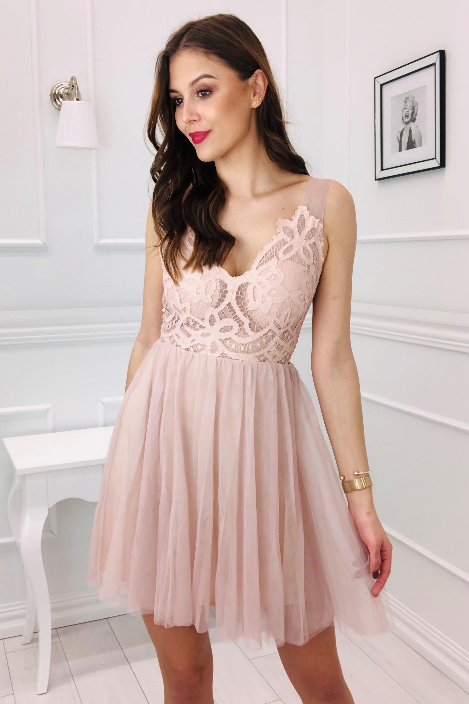 Krásne tylové šaty s rozšíreným dnom ružové - S
