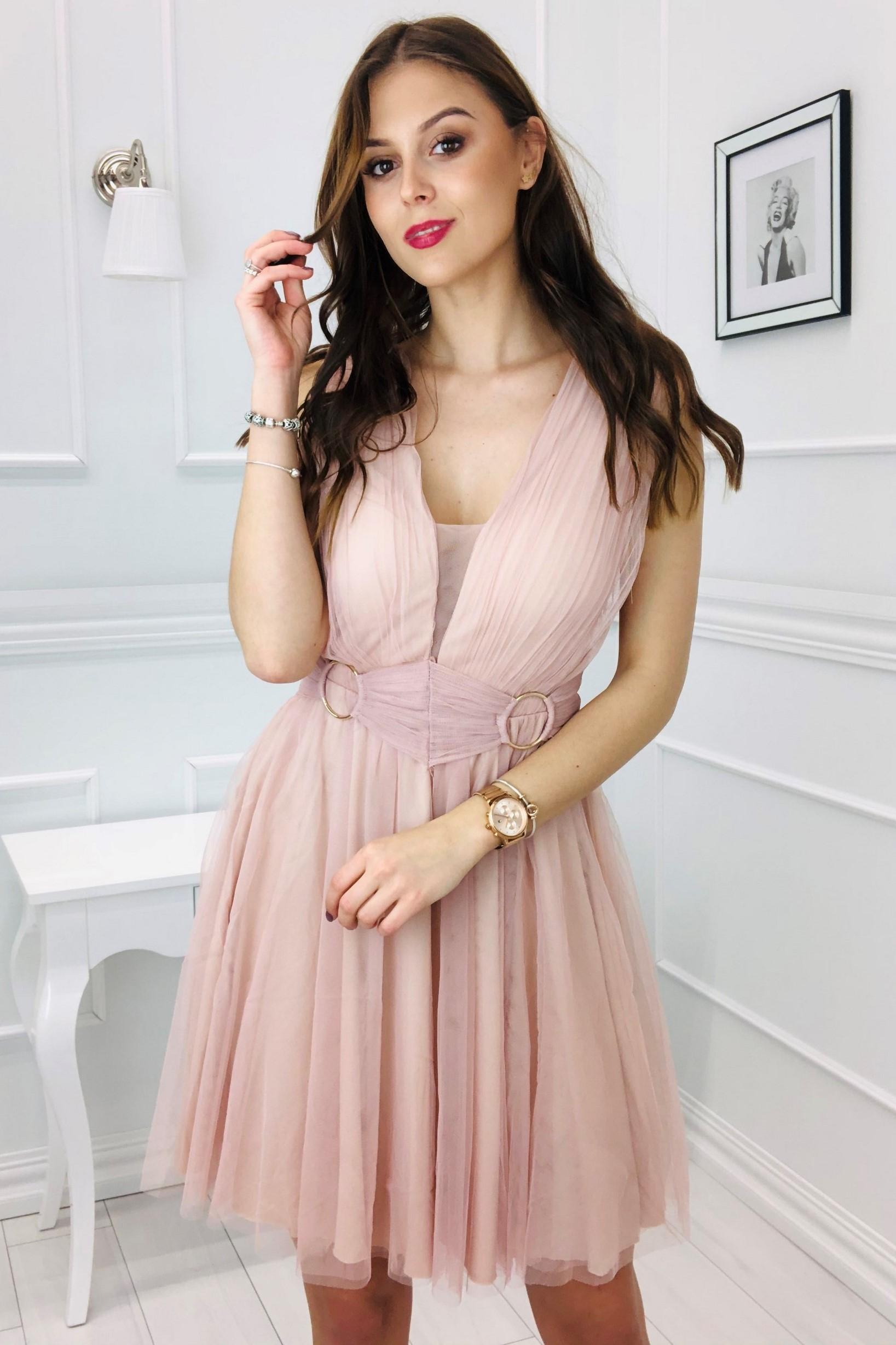 Krátke tylové šaty s kovovými krúžkami ružové - S